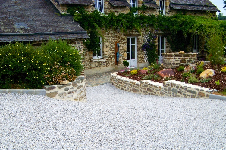 Stabilise your sloping gravel driveway for Sloped driveway options